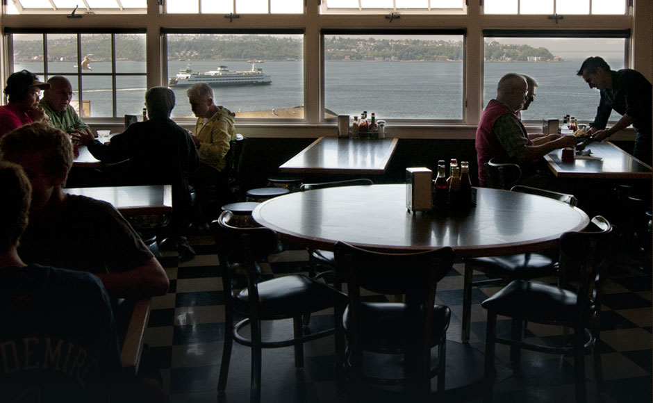 Seattle S Market Hideaway Three Floors Of Water View Seating Fresh Seafood Daily Pike Place